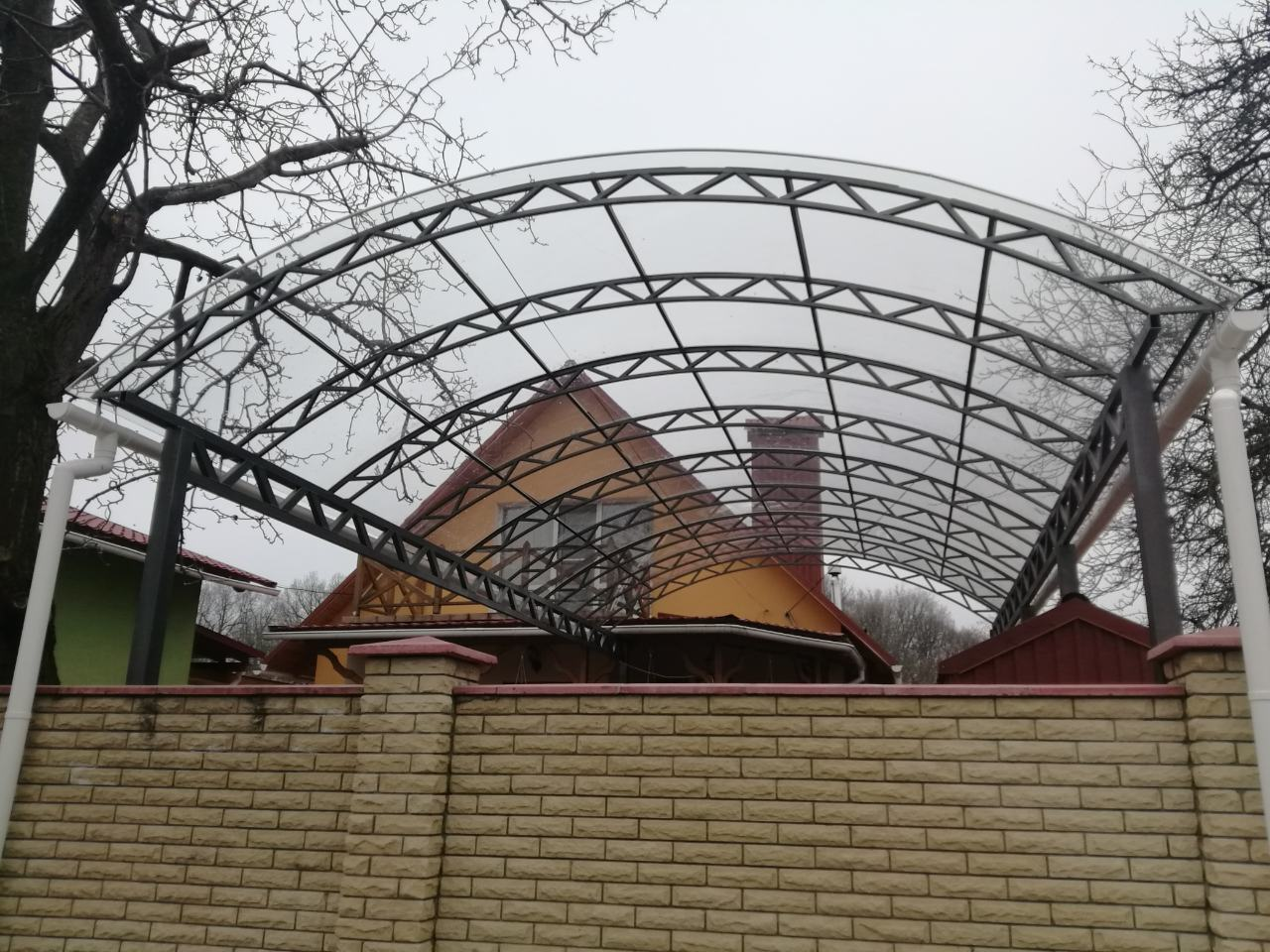 Навесы с прозрачным монолитным поликарбонатом 6мм